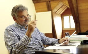 Für Gemeindepräsident Peter Stucki liegen die Probleme der Gemeinde vor allem in der Vergangenheit.Peter Stucki, Gemeindepräsident von Walkringen.  © Urs Baumann