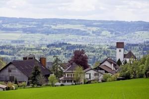 Die Gemeinde Oberwil (Oberwil-Lieli), aufgenommen am Mittwoch, 27. April 2016. Die Stimmberechtigten von Oberwil-Lieli AG werden am kommenden Sonntag, 1. Mai in einer Referendumsabstimmung entscheiden, ob die Gemeinde die vom Kanton Aargau zugeteilten Asylsuchenden aufnehmen soll. (KEYSTONE/Alexandra Wey)